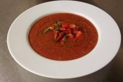 studené-gaspacho-jahodový-tartar-máta